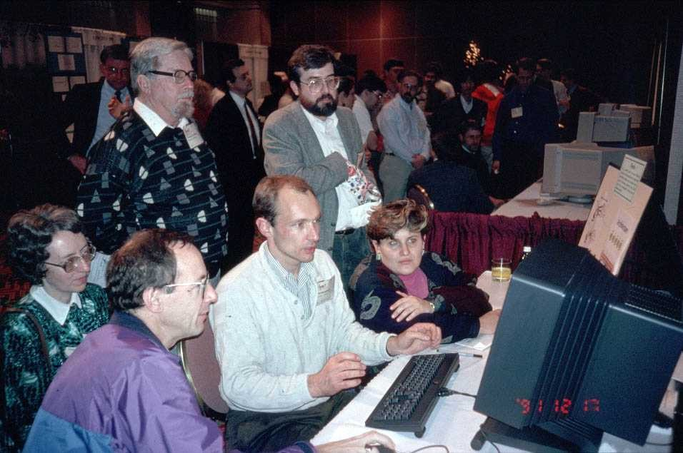 Tim Berners-Lee demonstrates the World Wide Web to delegates at the Hypertext 1991 conference in San Antonio, Texas.