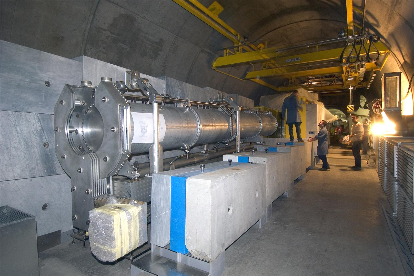 Horn installed in CNGS tunnel
