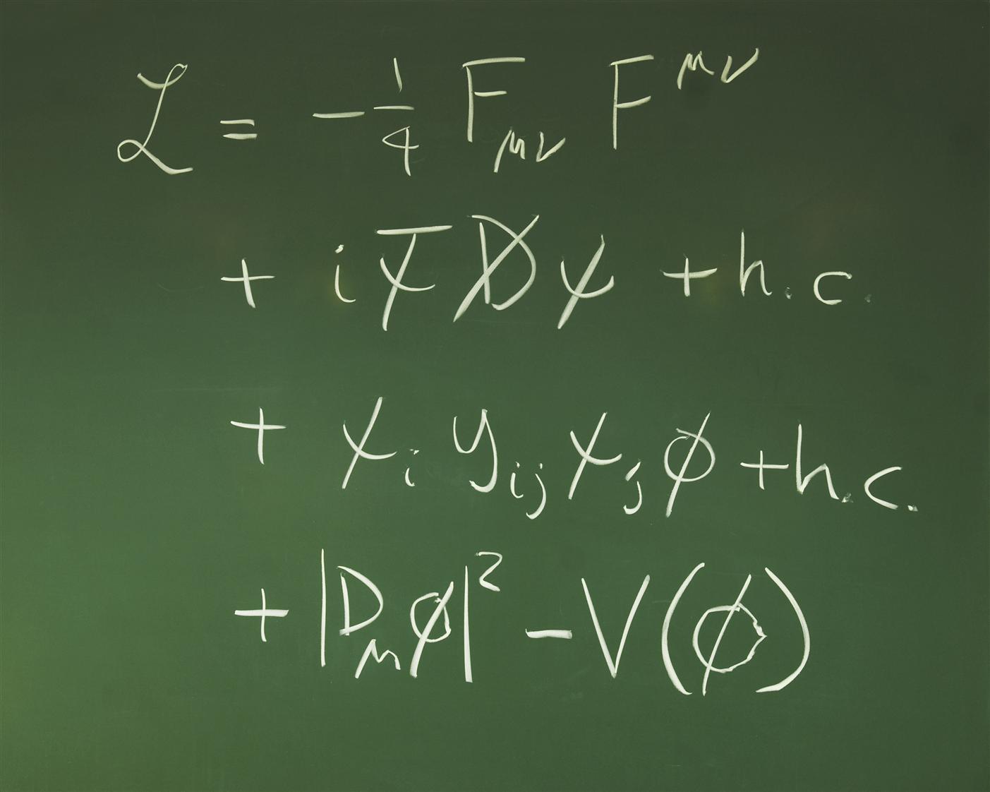 ALEPH, John Ellis, Lagrangian, Higgs, Penguin, διάγραμμα