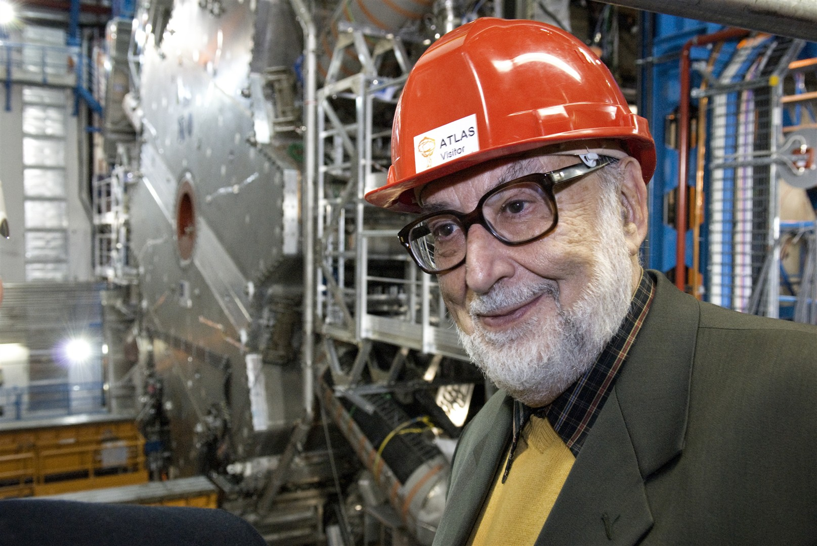 Professeur François Englert, High Energy and Particle Physics Prize by the European Physical Society 1997 (with R. Brout and P.W. Higgs) and Wolf Prize in Physics 2004, visits ATLAS cavern.