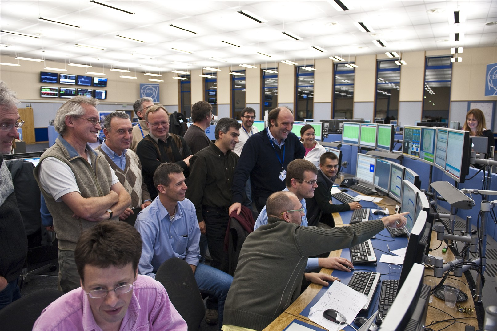 On 30 November, energy record for the LHC, twin beams at 1.18 TeV